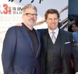 映画『ミッション:インポッシブル/フォールアウト』(8月3日公開)のジャパンプレミアに出席した(左から)マッカリー監督、トム・クルーズ (C)ORICON NewS inc.