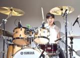 『ヤマハLM』の新製品発表会でドラムを演奏する川口千里 (C)ORICON NewS inc.