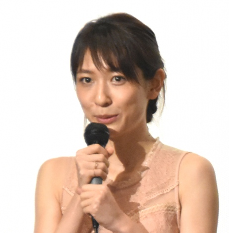 映画『スティルライフオブメモリーズ』初日舞台あいさつに出席した永夏子 (