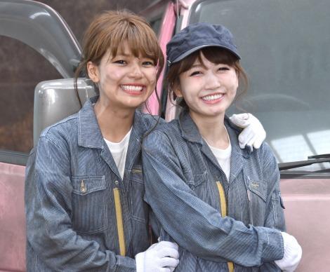 『あいのり: Asian Journy』のオープニング映像撮影に参加した(左から)クロ、桃 (C)ORICON NewS inc.