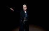 """米・サンディエゴで開催された『コミコン2018』=『ファンタスティック・ビーストと黒い魔法使いの誕生』""""黒い魔法使い""""グリンデルバルドの姿で登場したジョニー・デップ(C)Getty Images"""