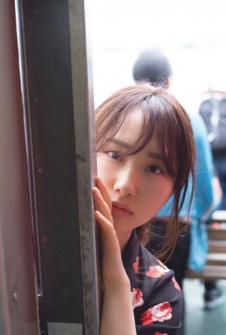 サムネイル AKB48・高橋朱里1st写真集『曖昧な自分』特典カット(撮影/佐藤裕之)