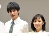 神尾楓珠(左)のキラキラ感にうっとりしていた徳永えり (C)ORICON NewS inc.