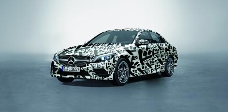 「荒木飛呂彦原画展 JOJO 冒険の波紋」特別コラボカー Mercedes-Benz C-Class JOJO concept 「ドドドカー」