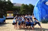 球団創設80周年記念『ホークスサマースプラッシュ』がオープン。ヤフオクドームを背後にビーチで楽しむ