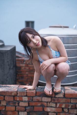 サムネイル AKB48・高橋朱里1st写真集『曖昧な自分』誌面カット(撮影/佐藤裕之)