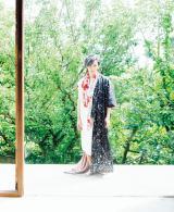 「中村倫也 最初の本『童詩(わらべうた)』」誌面カット