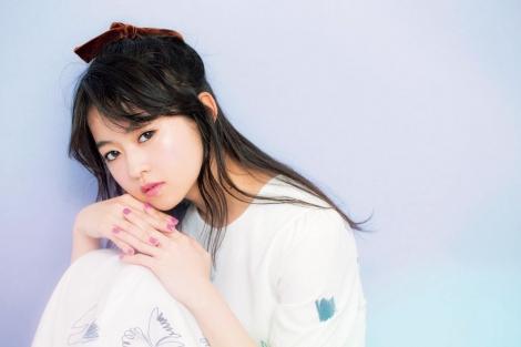 サムネイル 『bis』9月号に登場する伊藤万理華 (C)光文社
