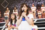 メンバー56人を背に卒業発表(C)NMB48