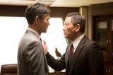 三葉銀行常務取締役の飯島亮介(小林薫)と芝野健夫(渡部篤郎)も近かった(C)テレビ朝日