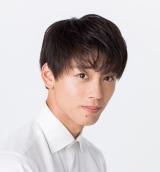 竹内涼真が8月3日放送、テレビ朝日系『ミュージックステーション』に初登場。TWICEのパフォーマンスを応援