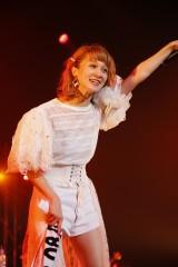 解散ライブを行ったチャオ ベッラ チンクエッティ岡田ロビン翔子