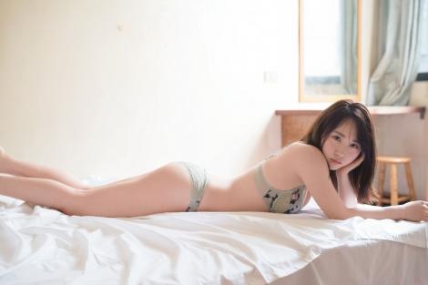 サムネイル AKB48・高橋朱里1st写真集『曖昧な自分』の新公開カット(撮影/佐藤裕之)