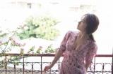 AKB48・高橋朱里1st写真集『曖昧な自分』の新公開カット(撮影/佐藤裕之)