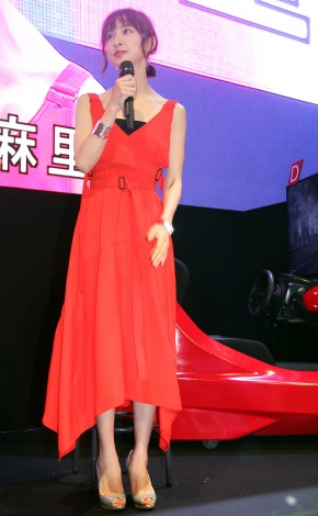 『Audi e-tron Vision Gran Turismo NIGHT IN TOKYO』トークショーに出席した篠田麻里子 (C)ORICON NewS inc.