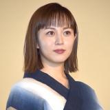 劇場版『コード・ブルー-ドクターヘリ緊急救命-』大ヒット舞台あいさつに登場した比嘉愛未 (C)ORICON NewS inc.