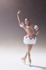 『マギアレコード 魔法少女まどか☆マギカ外伝』で日本のテレビCMに初出演するアリーナ・ザギトワ選手