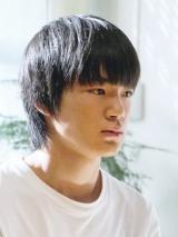 加害者の少年・青葉翼役に抜てきされた新人、杉田雷麟(らいる)(C)テレビ東京