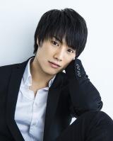 日本テレビ系10月期日曜ドラマ『今日から俺は!!』に出演する鈴木伸之