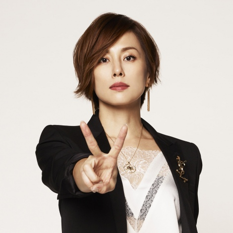 米倉涼子、髪バッサリ20センチ 元弁護士役の新作ドラマで「ドクターX」から脱却