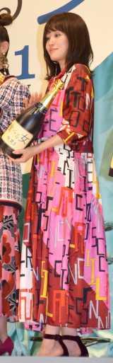 ピンクのドレスで登場した前田敦子 (C)ORICON NewS inc.