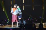 『東京ガールズコレクション 2018 AUTUMN/WINTER』に出演した(左から)LINA、平祐奈 (C)ORICON NewS inc.