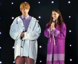 『東京ガールズコレクション 2018 AUTUMN/WINTER』に出演した(左から)杉野遥亮、新木優子 (C)ORICON NewS inc.