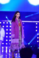 『東京ガールズコレクション 2018 AUTUMN/WINTER』に出演した新木優子(C)マイナビ presents TOKYO GIRLS COLLECTION 2018 A/W