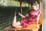 『小倉優香カレンダーブック2019 SEXY EVERYDAY!』(C)藤本和典