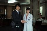 『遺留捜査』の最終回2時間スペシャル(後9:00〜11)より。上川隆也と沢口靖子(C)TBS