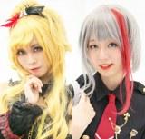 美人レイヤーのMirさん(左)と、てうさん(右)(C)oricon ME inc.