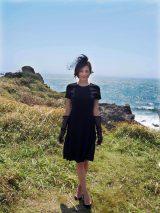 強い湖風にもかかわらず、写真撮影に応じてくれた米倉さん (C)ORICON NewS inc.