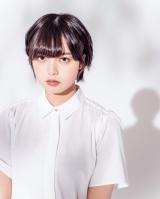 『週刊ヤングジャンプ』41号の表紙を飾った欅坂46・平手友梨奈 (C)今城純/集英社