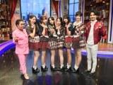 タイの人気番組『Hong kao bun teung』に出演したAKB48(C)AKS