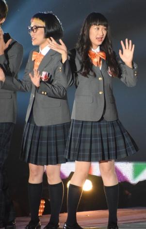 スパイク(左から)松浦志穂、小川暖奈 (C)ORICON NewS inc.