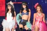 『Rakuten GirlsAward 2018 AUTUMN/WINTER』に登場した(左から)宮内理沙、石黒エレナ、遠山茜子 (C)ORICON NewS inc.