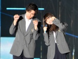 『Girls Award 2018 A/W』に登場した(左から)山田裕貴、齋藤飛鳥 (C)ORICON NewS inc.