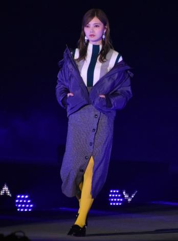 画像・写真 | 【GirlsAward】吉岡里帆、リーゼントヘアで開幕
