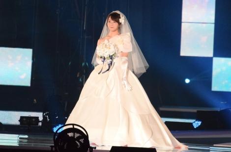 サムネイル 『Girls Award 2018 A/W』にウェディングドレス姿で登場した峯岸みなみ(C)ORICON NewS inc.