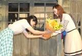 花束を贈呈 (C)ORICON NewS inc.