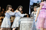 『AKB48グループ 第2回ユニットじゃんけん大会』で2回戦敗退した「武藤シスターズ」 (C)AKS