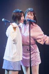 NMB48女子力選抜ユニット「Queentet」が単独公演(左から)太田夢莉、吉田朱里(C)NMB48