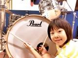 世界的楽器メーカーと契約した8歳の天才ドラマー・よよか