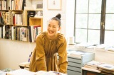 テレビ東京ほかで放送されるドキュメンタリードラマ『このマンガがすごい!』番組ナビゲーターの蒼井優(C)「このマンガがすごい!」製作委員会