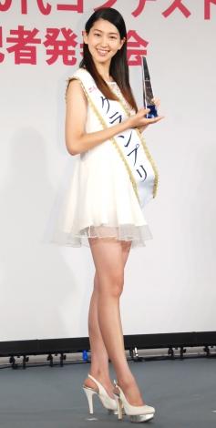『第1回 ミス美しい20代コンテスト』のグランプリに輝いた是永瞳さん (C)ORICON NewS inc.