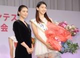 『第1回 ミス美しい20代コンテスト』受賞者お披露目発表会に出席した(左から)武井咲、是永瞳さん (C)ORICON NewS inc.