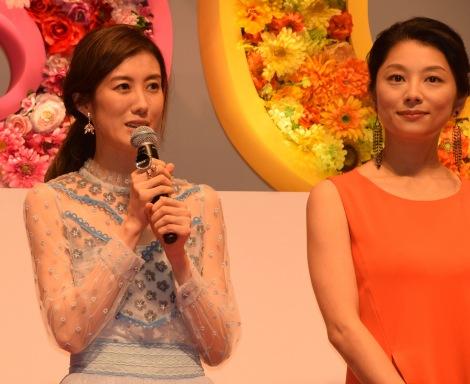 映画『SUNNY(サニー)強い気持ち・強い愛』(8月31日公開)の完成披露舞台あいさつに出席したともさかりえ、小池栄子