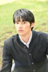 10月スタートのTBS系連ドラ『中学聖日記』で有村架純の相手役に抜てきされた新人・岡田健史 (C)TBS