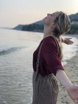 ナタリー・エモンズが『じょんのび日本遺産』で旅番組に初挑戦 (C)TBS