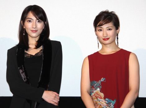 (左から)知英、武田梨奈=映画『殺る女』完成披露上映会 (C)ORICON NewS inc.